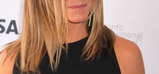 jennifer-aniston-nipples-cake-premiere-kanoni-2
